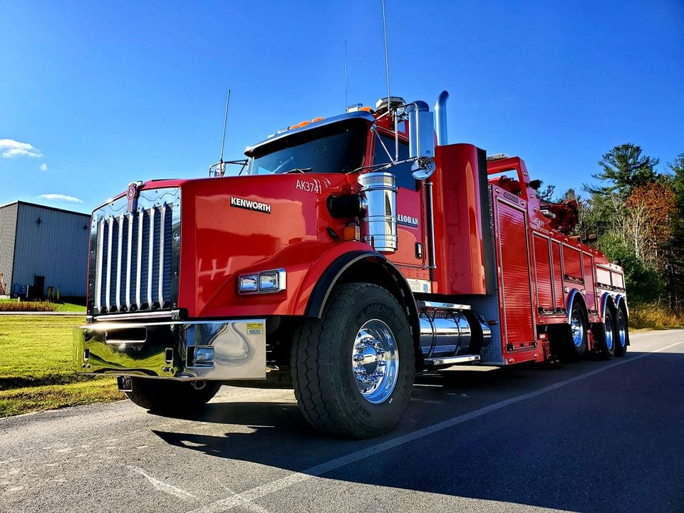 photo of red kenworth truck